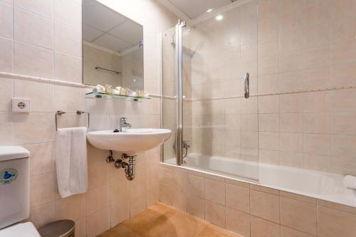 A bathroom at Borne Suites - Turismo de Interior