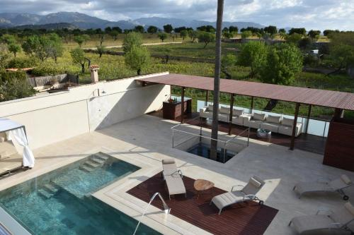 A view of the pool at Villa Rainbow Home Mallorca or nearby