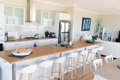 A kitchen or kitchenette at Shades of Blue Eco Retreat