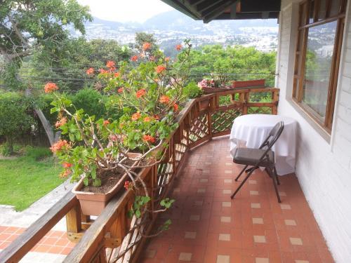 Балкон или тераса в Vista Hermosa, Tumbaco