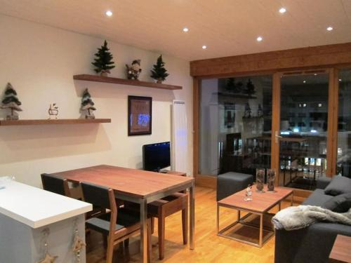 The lounge or bar area at Chamonix Mont Blanc Appartement