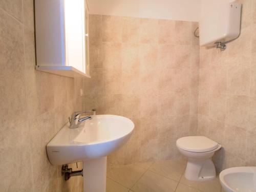 A bathroom at Locazione turistica Giuseppe.1