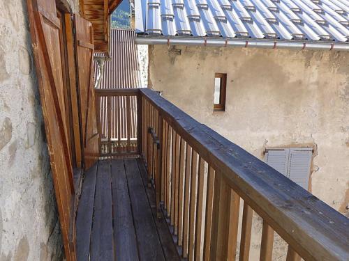 A balcony or terrace at Apartment Haut-Verdon logis