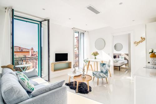 A seating area at NEW ! SEA VIEW Design + Balcony 203