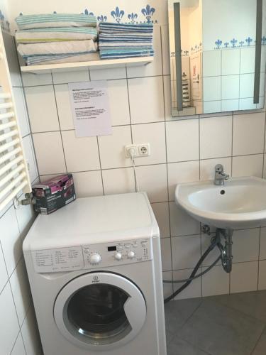 Ein Badezimmer in der Unterkunft Ferienwohnung Roxana