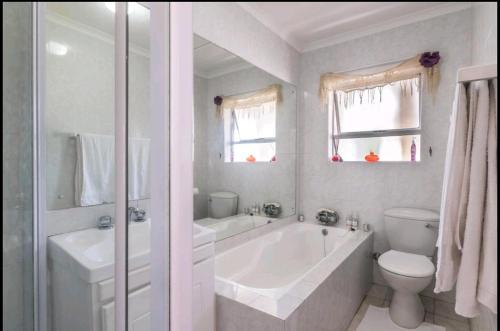 A bathroom at Caline VIP