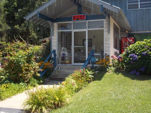 Clarketon Motel - Maggie Valley