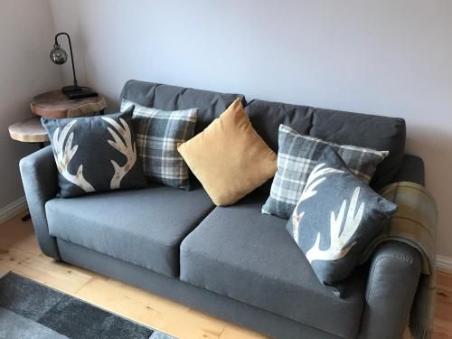 A seating area at Yorkhill West End Apartment