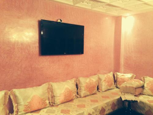 A television and/or entertainment center at Rue aboutayeb al moutanabi