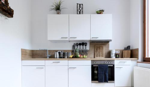 A kitchen or kitchenette at Design Delight