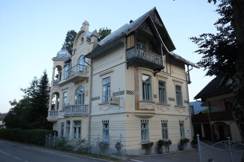 Apartments & Rooms Vila Ana