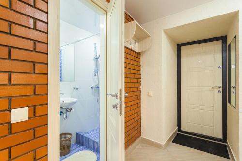 Ванная комната в Apt on Nevsky 136 #1
