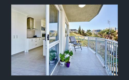 A balcony or terrace at Kings Beach Retreat