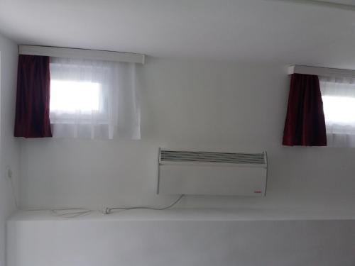 TV/Unterhaltungsangebot in der Unterkunft Guest House Baranin Pitomine