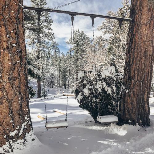 Oak Knoll Lodge Big Bear Lake Ca Bookingcom