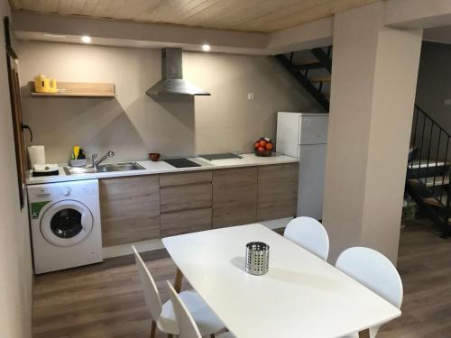 Casa la Barbacanaにあるキッチンまたは簡易キッチン