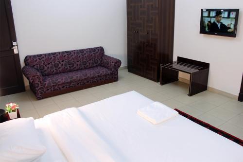 A seating area at Sahara Hotel Apartments
