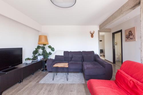 A seating area at Apartamento Egia