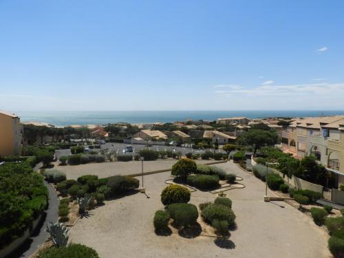 Vue panoramique sur l'établissement appartement vue sur mer