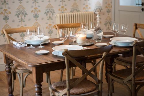 Restorāns vai citas vietas, kur ieturēt maltīti, naktsmītnē [TARTUFO BIANCO] Villa Althea