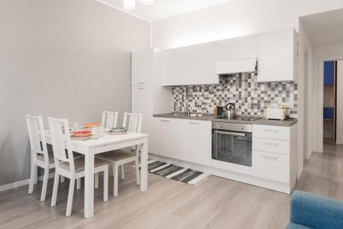 A kitchen or kitchenette at Dimore Verona