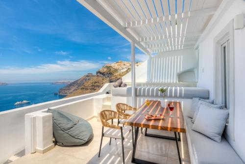 A balcony or terrace at Iriana Suites