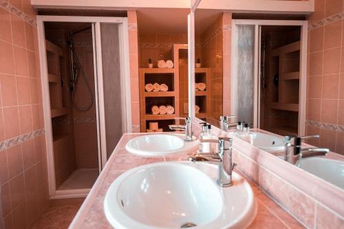 Kamar mandi di Moskevska Apartment - 3 bedrooms with King size beds