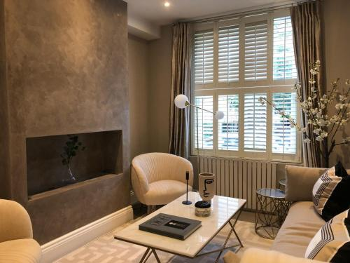 Cadogan Deluxe Apartment