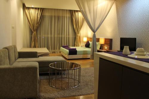 A seating area at Amazing Suites at Regalia KLCC