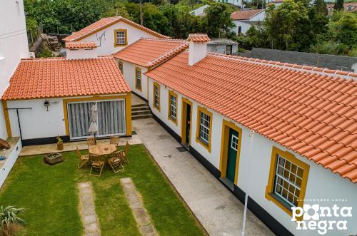 A bird's-eye view of Alojamento Ponta Negra