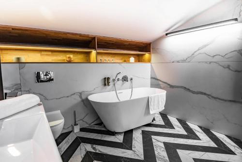 A bathroom at Stradom 15 Apartments