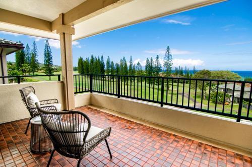A balcony or terrace at Kapalua Golf Villa 25V2 Gold Ocean View