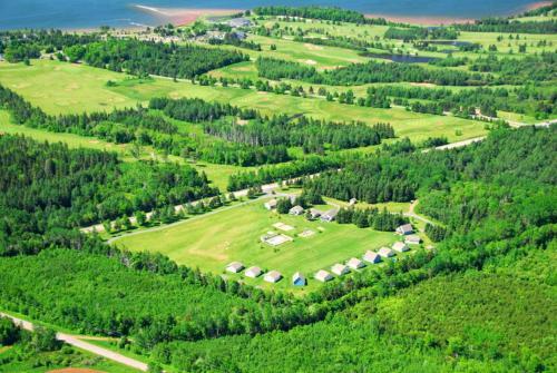 Een luchtfoto van Brudenell Fairway Chalets