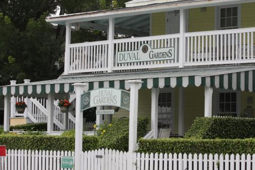 Duval Gardens
