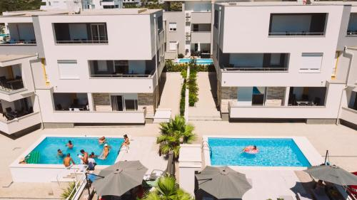 A view of the pool at Danivan Pool Villas or nearby