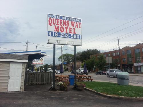 Queensway Motel