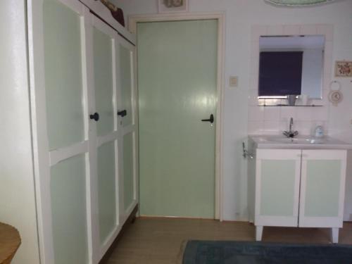 Ett badrum på Recreatie Bungalow Eureka