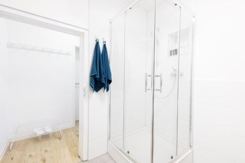 Ein Badezimmer in der Unterkunft Köhlz Fewo & Restaurant