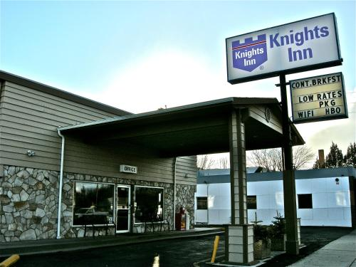 Knights Inn - Baker City