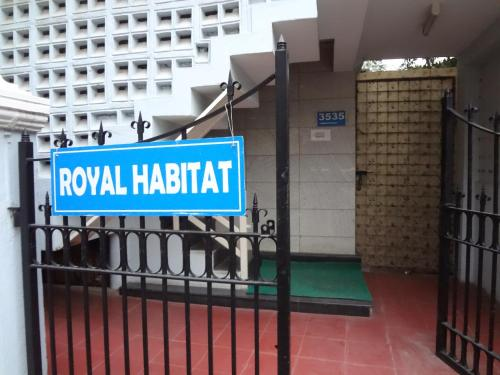 Compact - Royal Habitat
