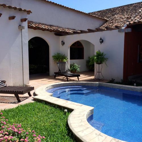 Hoteles en granada con piscina for Hoteles en granada con piscina climatizada