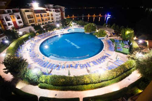 A view of the pool at Marina Cape Vacation Complex or nearby