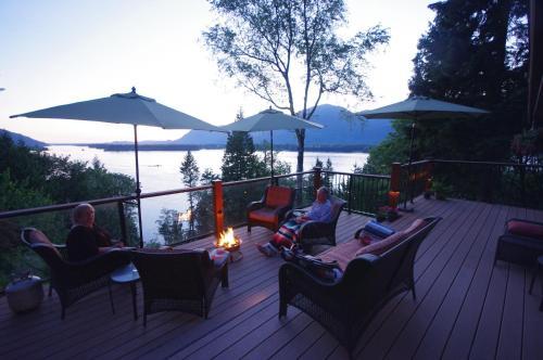The Fraser River's Edge B&B Lodge