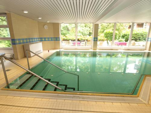 The swimming pool at or near GDA Hotel Hildastift am Kurpark