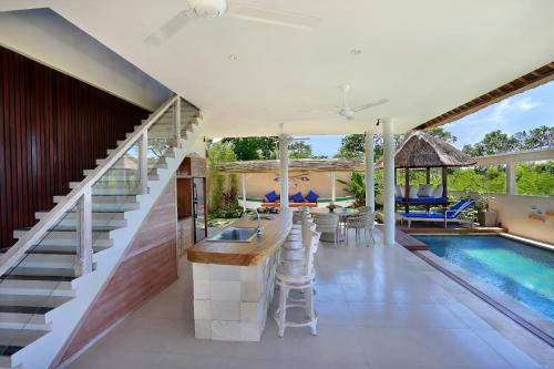 The swimming pool at or close to Villa Bukit Nusa Lembongan
