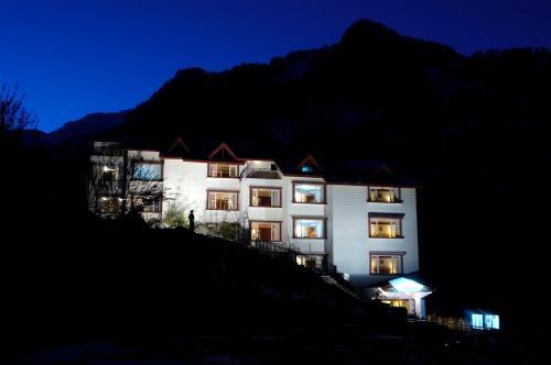 Apple Country Resorts - A Veg Hotel