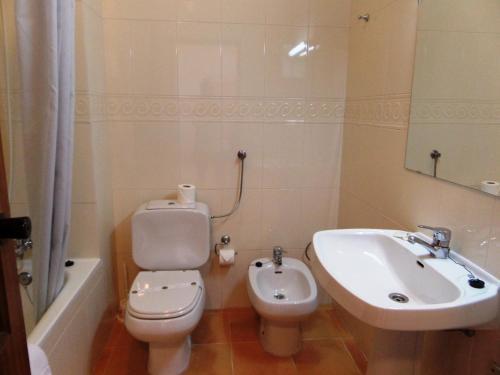 A bathroom at Mirachoro III Apartamentos Rocha