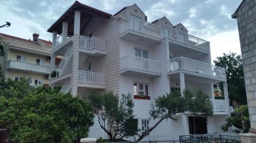 Apartments Kutlic