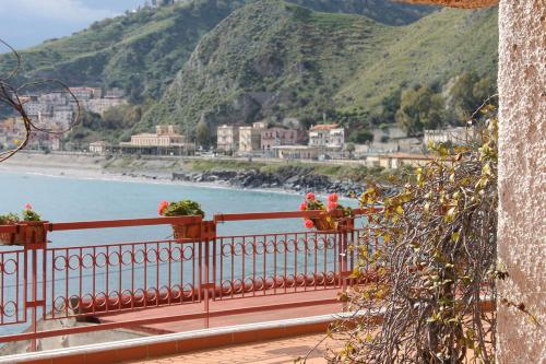 Taormina Mare Apartment