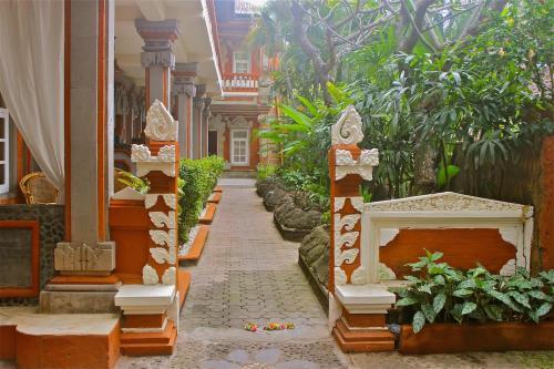 Chonos Hotel Lovina